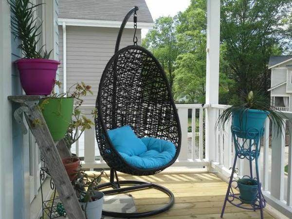 hängesessel mit gestell rattan veranda blau auflagen