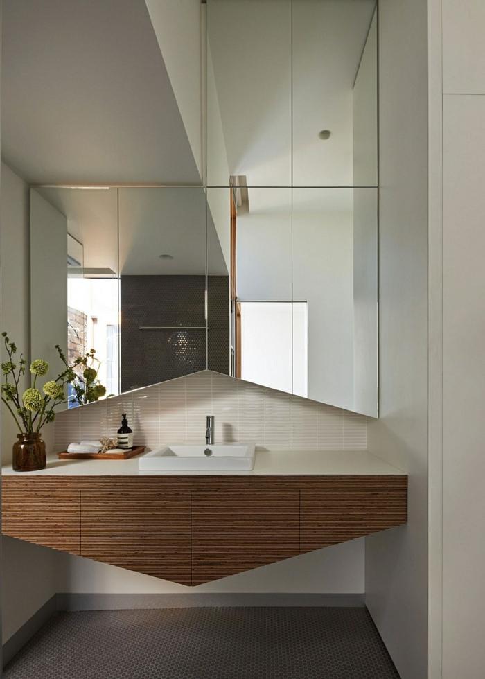 Haus renovieren ein altbau im viktorianischen stil for Badezimmer unterschrank holz