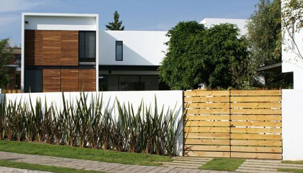 wohnzimmerlampen holz:hauserweiterung anbau schönes haus sichtschutz zaun holz beton