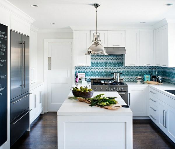 innendesign blau weiß küche küchenrückwand kücheninsel