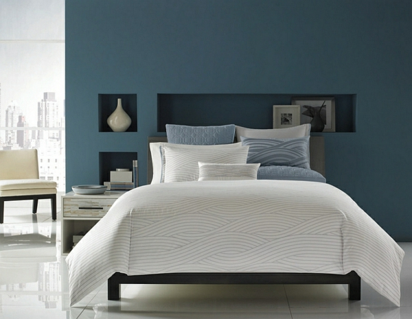 innendesign blau weiß schlafzimmer ideen weiße bettdecke dekoideen