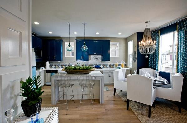 innendesign blau weiß traditionelle küche esszimmer