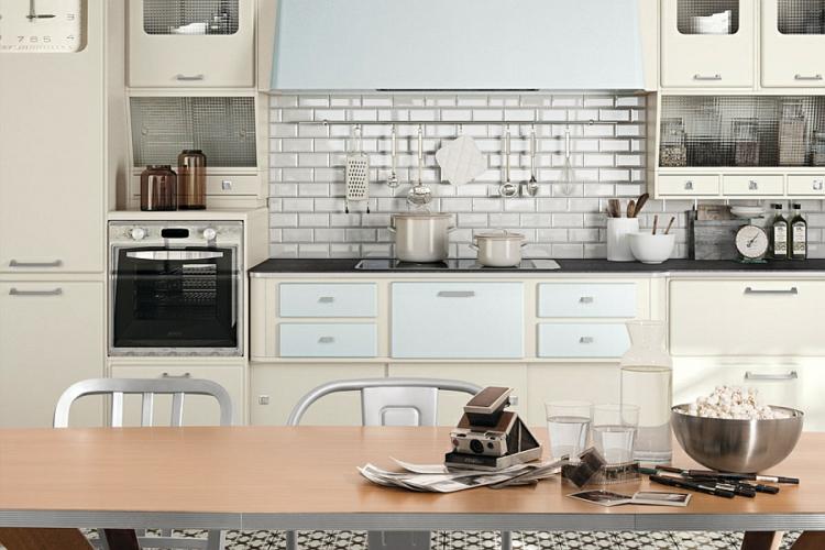 küche gestalten küchenschränke im retro stil pastellfarben küchenrückwand fliesen