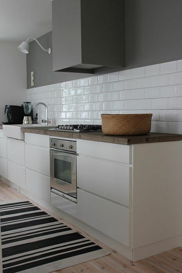 küchen design wandfarbe grautöne modern weiße fliesen