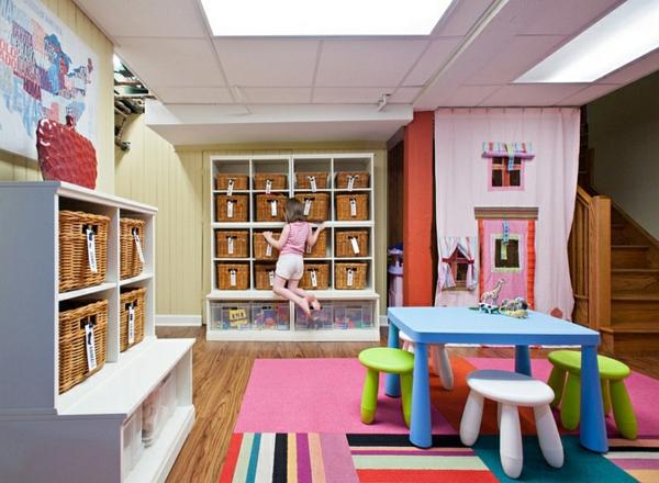 kinderzimmer gestalten untergeschoss bunter teppich wandschränke