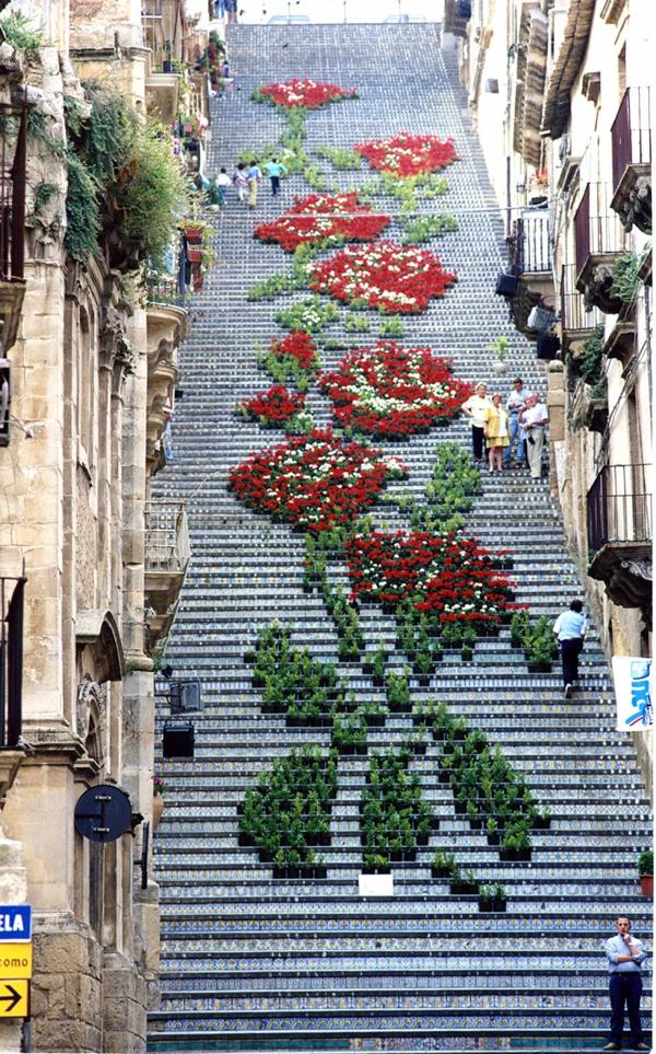 straßenkunst außenarchitektur art treppen verkleiden italien