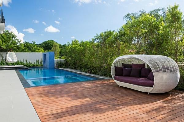 loungebett terrassengestaltung holzboden pool