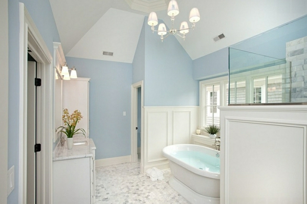 Innendesign In Blau Und Weiß - Frische Farben Wirken Entspannend Luxus Badezimmer Design