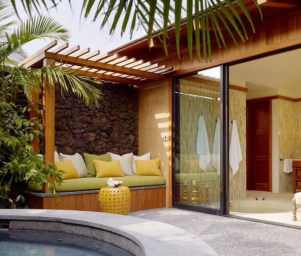 moderne terrassengestaltung garten außenbereich lounge möbel holzüberdachung