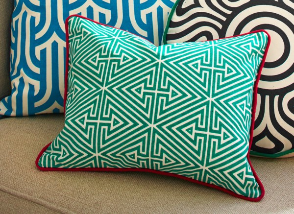 moderne wohnideen dekokissen wurfkissen geometrische muster farbig lustig