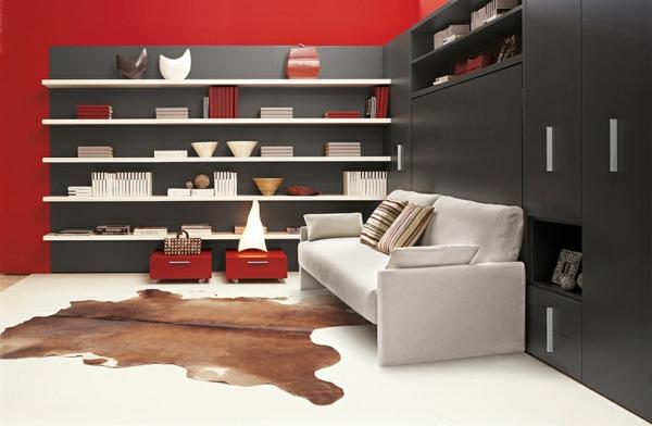 wohnideen klappbett schrankbett weißes sofa rote wand
