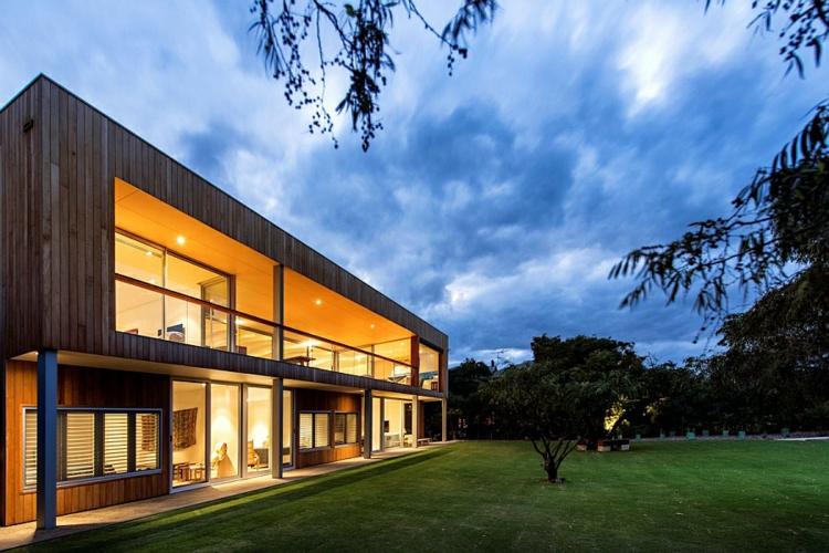 modernes haus strandhaus hausfassade zweistöckiges luxushaus