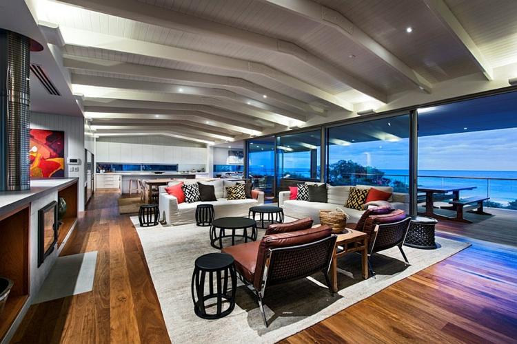 Strandhaus modern  Modernes Haus am Strand mit Aussicht auf den indischen Ozean