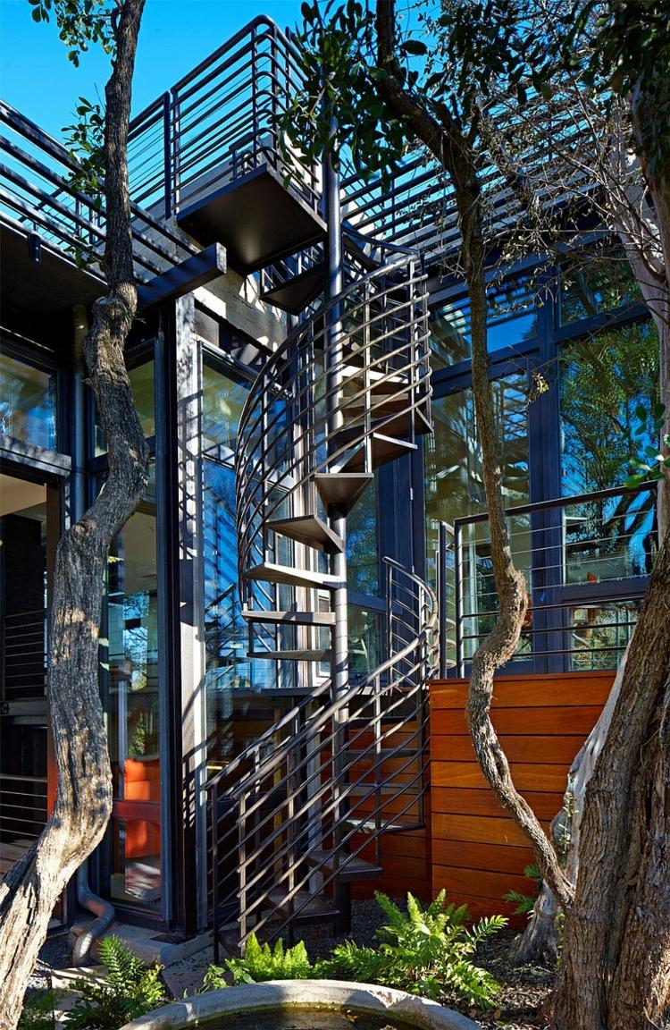 nachhaltige architektur grüne residenz außenbereich treppen
