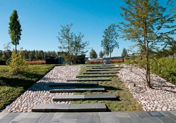natursteinplatten für den gartenweg