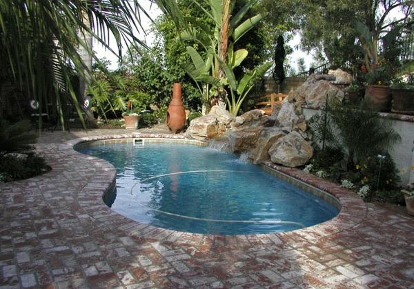 Pool im Garten - 20 nierenförmige Schwimmbecken