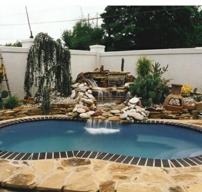 Pool im garten 20 nierenf rmige schwimmbecken for Ovaler pool garten