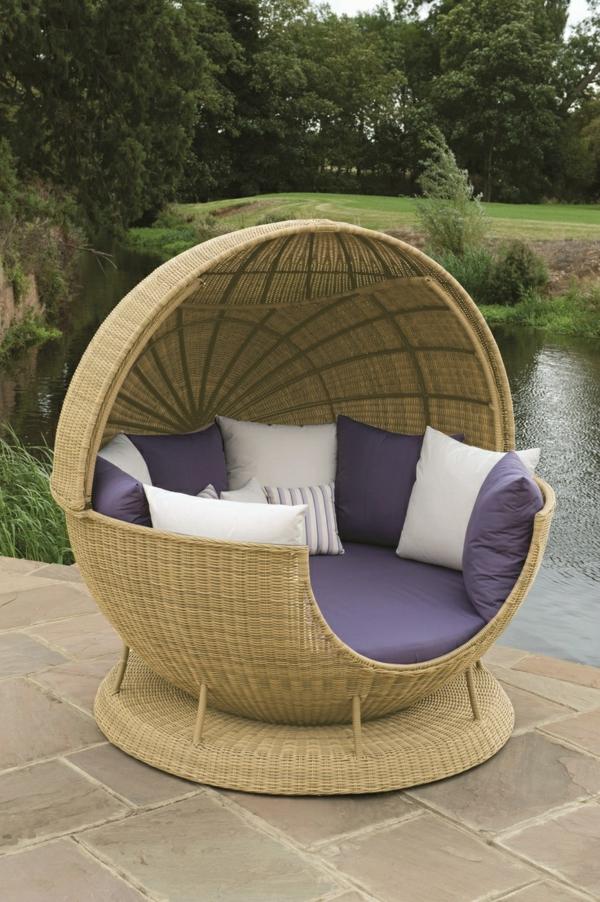 rattanmöbel outdoor lounge bett lila auflage
