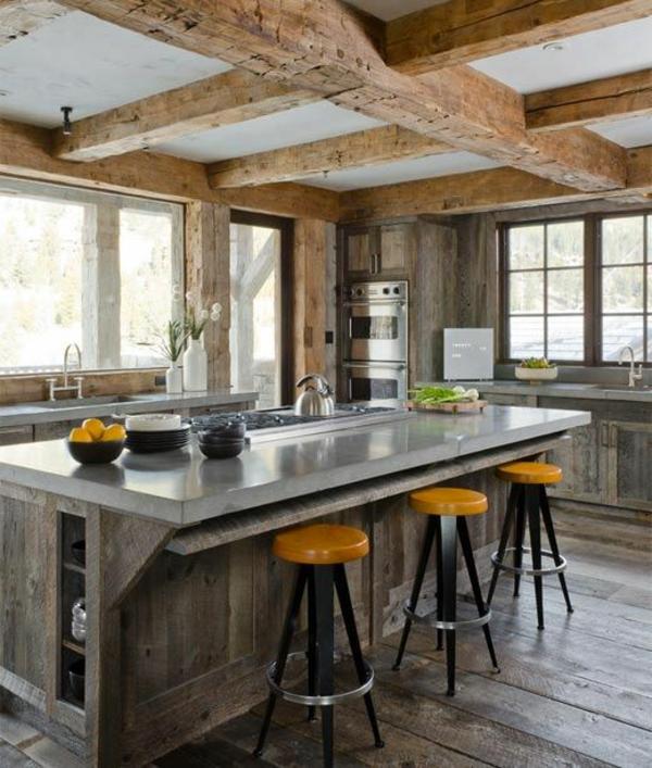 küche kücheninsel barhocker holzbalken decke