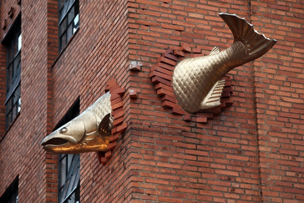 salmon skulptur berühmte kunstwerke