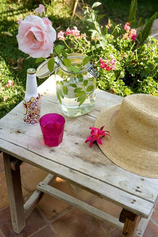 schöne Gartenideen garten bilder gartendekorationen tisch