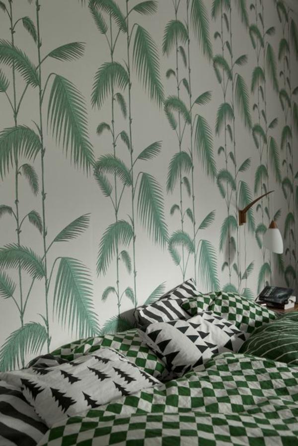 schlafzimmer schlafzimmerwand gestalten wandtapete palmenmuster
