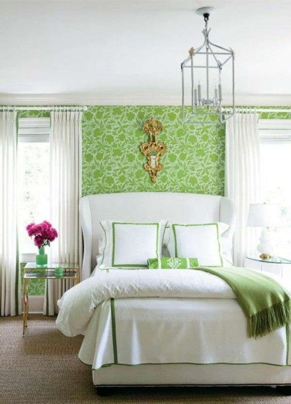 schlafzimmer schlafzimmerwand gestalten wandtapete saftige farben