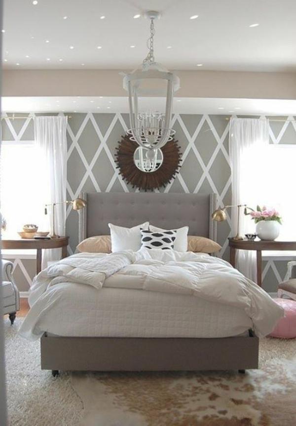 schlafzimmer schlafzimmerwand gestalten weiß und grau