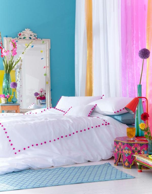 schlafzimmer farbgestaltung sommerpalette gardinen nachttisch bett
