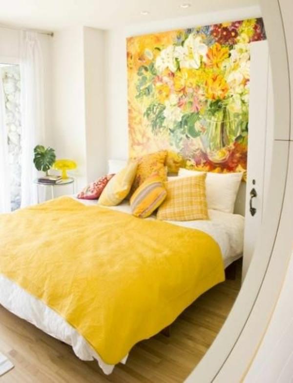 schlafzimmer farbgestaltung sommerpalette gelbe wandtapete