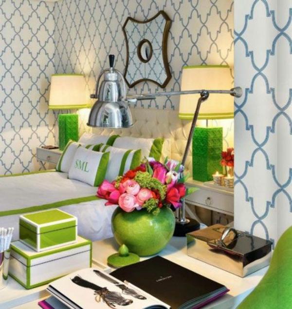 schlafzimmer farbgestaltung sommerpalette grüne dekoration wandtapete