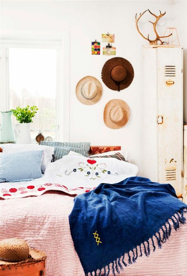 schlafzimmer im landhausstil farben rustikale einrichtung bettwäsche