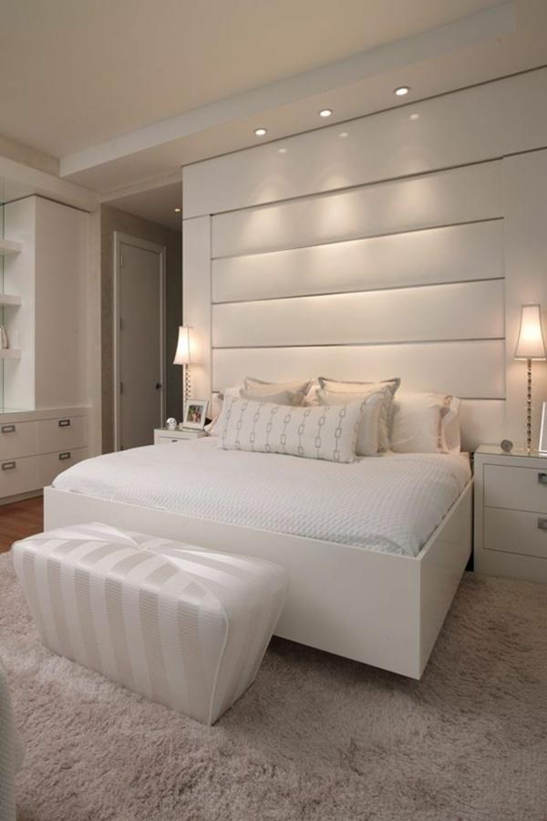 schlafzimmer schlafzimmerwand gestalten in weiß bett