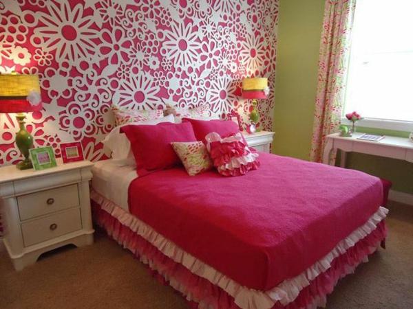 schlafzimmerwand gestalten rosa und weiß