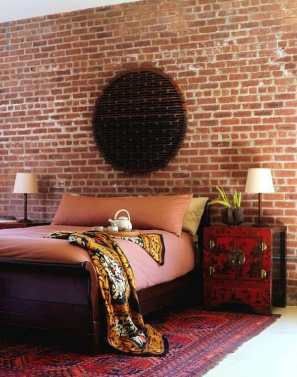 schlafzimmerwand gestalten rustikal ziegelwand