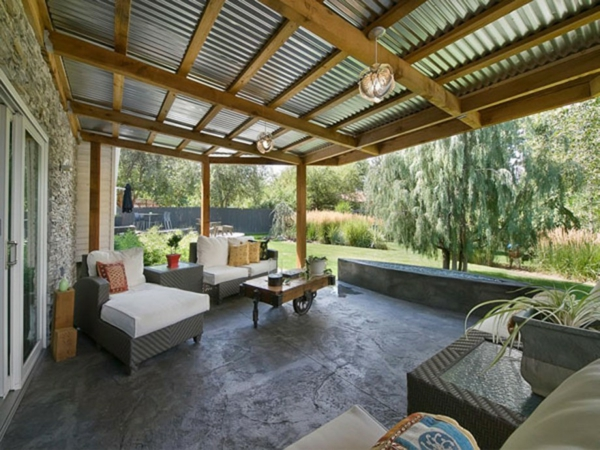 terrassengestaltung beispiele rattan möbel couchtisch terrassenuberdachung aus holz