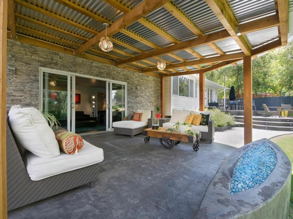 terrassengestaltung beispiele rattan möbel couchtisch terrassenuberdachung beton bodenbelag