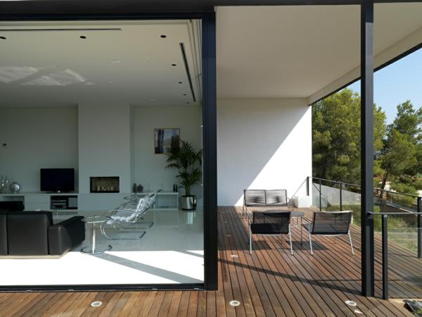 terrassengestaltung beispiele terrassendielen schiebetüre aus glas