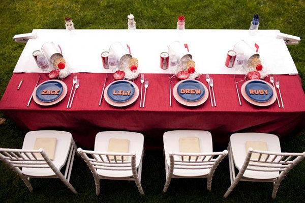 tischdecke rot festliche tischdeko rot weiß esstisch stühle