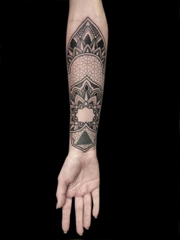 tolle ideen für unterarm tattoo geometrisch