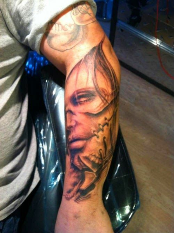 trendy symbole tattoo motive originell für männer unterarm