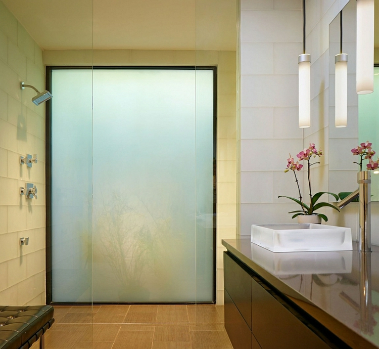 umweltfreundliches innendesign moderne badezimmer fliesen asiatischer stil