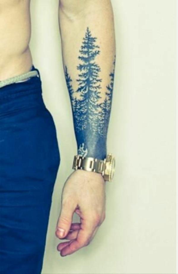 unterarm tattoo mann motive bäume
