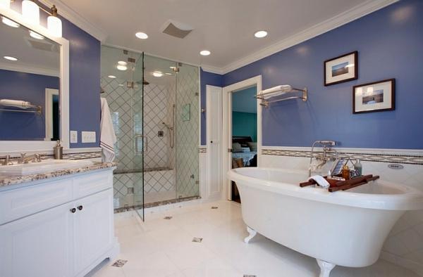innendesign blau und weiß badezimmer freistehende badewanne