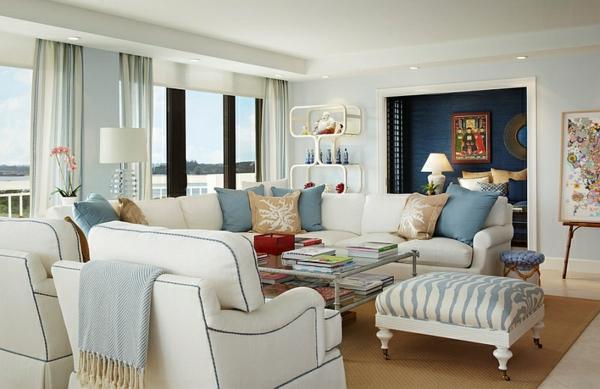 innendesign blau und weiß wohnzimmer sommerliche farben
