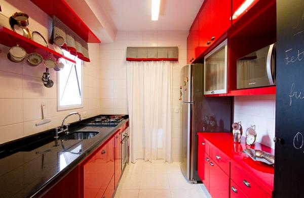 wohnideen küche rote möbel schwarze oberfläche