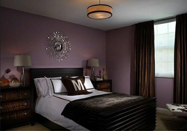 lila schlafzimmer spiegel bett nachttische
