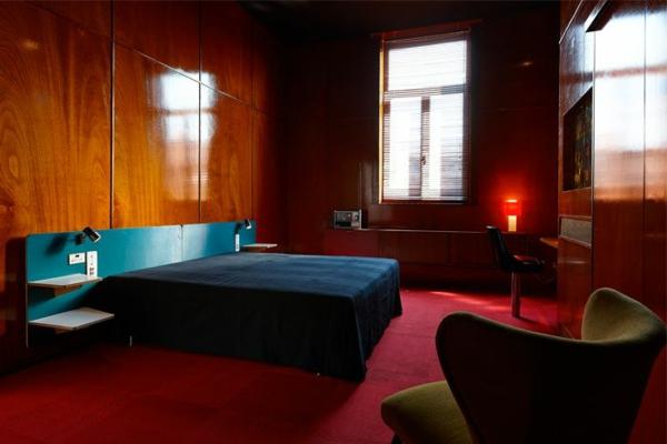 deko roter teppich. Black Bedroom Furniture Sets. Home Design Ideas
