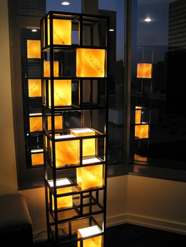wohnzimmer beleuchtungsideen leuchtende skulptur schwarz