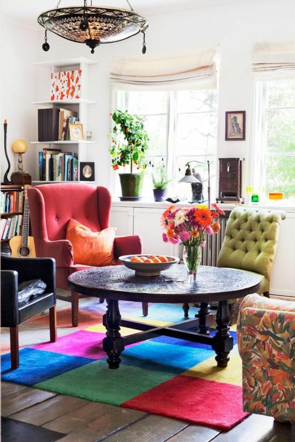wohnzimmer design sommer farbpalette bunter teppich sitzecke